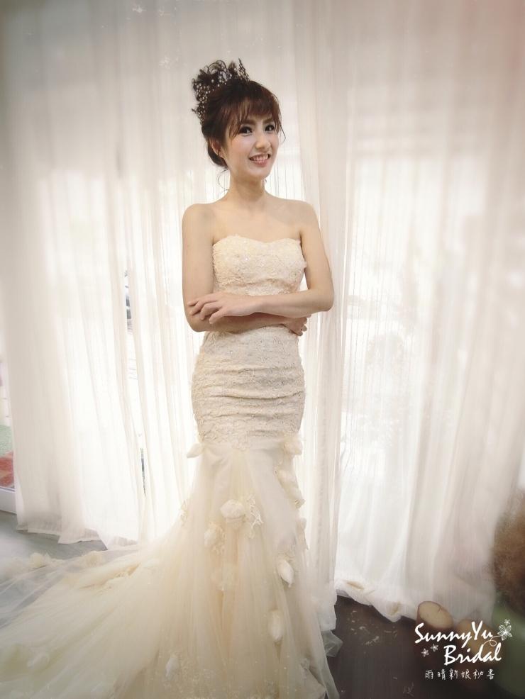 甜美|皇冠|魚尾|新秘雨晴|台北新娘秘書推薦|新娘髮型|白紗