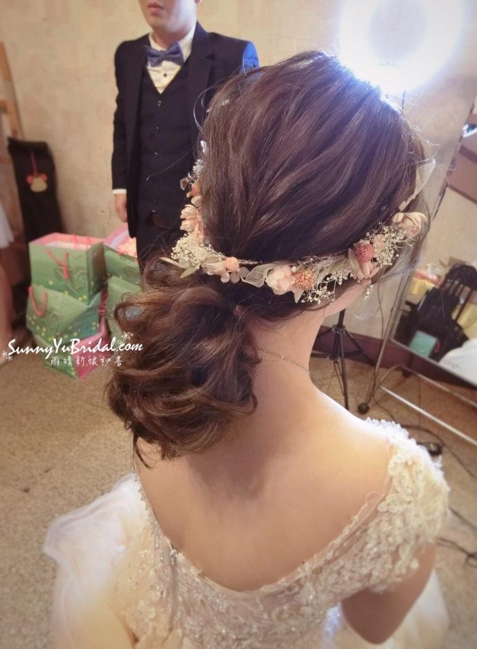新娘髮型|低馬尾造型|乾燥花髮型|線條感造型|新秘推薦雨晴