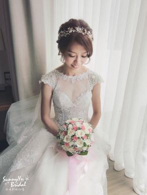 嘉義新娘秘書推薦|新娘秘書雨晴|白紗造型|新娘髮型|鈺通飯店|新娘捧花