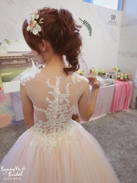 新娘髮型|高馬尾俏麗造型|類白紗|嘉義新秘推薦|新秘雨晴SunnyYu