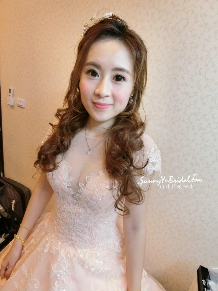 甜美風|編髮造型|公主頭|新娘造型|長捲髮|台北新娘秘書推薦雨晴