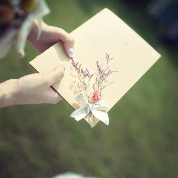 乾燥花卡片|手作卡片|卡片製作|乾燥花|乾燥花新秘推薦雨晴|戶外證婚|交換誓詞|乾燥花誓詞本
