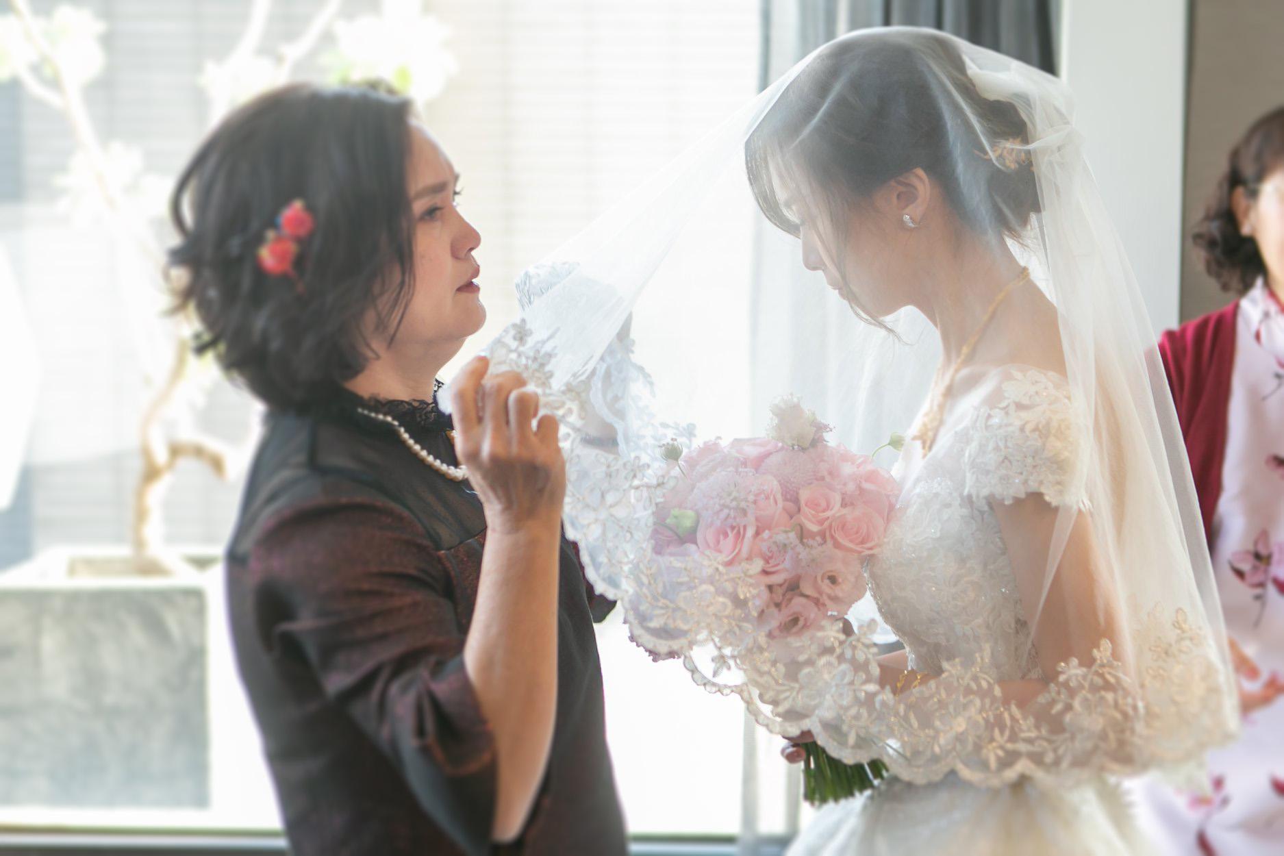 台北新秘推薦|新娘秘書雨晴|婚禮攝影平面紀錄|七囍|GTpeng|結婚拜別|時間安排|結婚流程|蓋頭紗