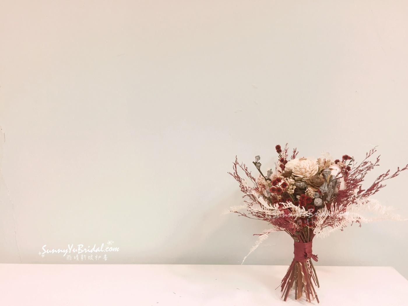 乾燥捧花|新娘捧花|台北新娘秘書|紅色捧花|紅白色乾燥捧花|求婚捧花|客製捧花