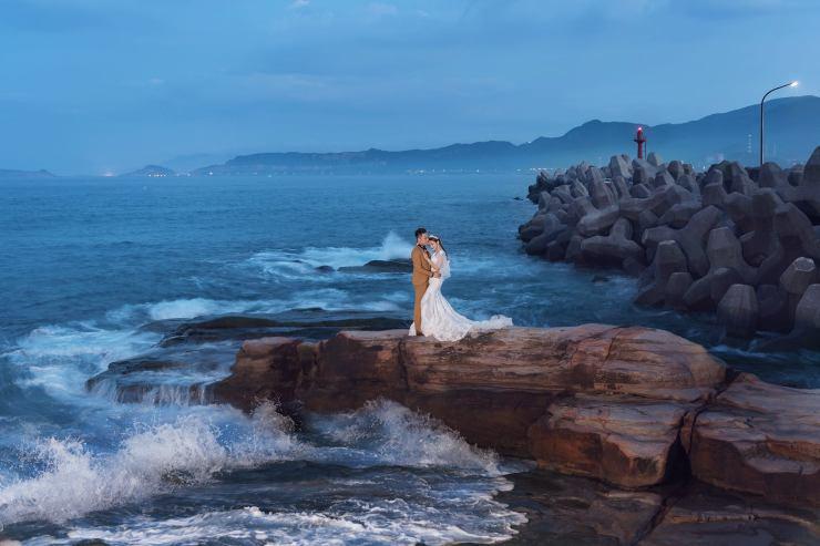 台北新娘秘書|新娘妝髮|新秘雨晴|婚攝柚子|貳月婚紗|TM時間男人|新郎西裝|男士西服|冷豔|女王氣勢|皇冠|拖尾白紗