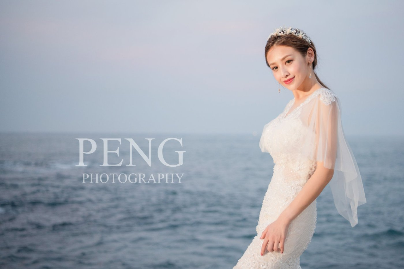 台北新娘秘書|新娘妝髮|新秘雨晴|婚攝彭彭|貳月婚紗|女王氣勢|皇冠|馬尾造型