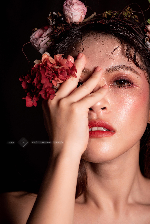 新娘隱眼推薦|新娘眼妝|新娘妝髮|彩色日拋月拋|新秘雨晴SunnyYu|東湖內湖南港新娘秘書推薦|小直徑隱眼|自然混血感|晶碩REVIA|豹紋深棕